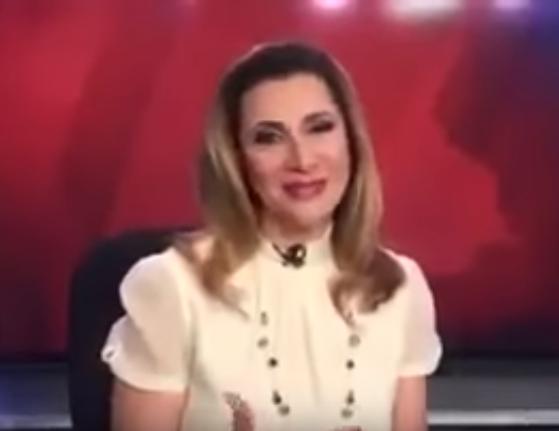 مذيعة أخبار تطلق زغرودة على الهواء أثناء قراءة النشرة